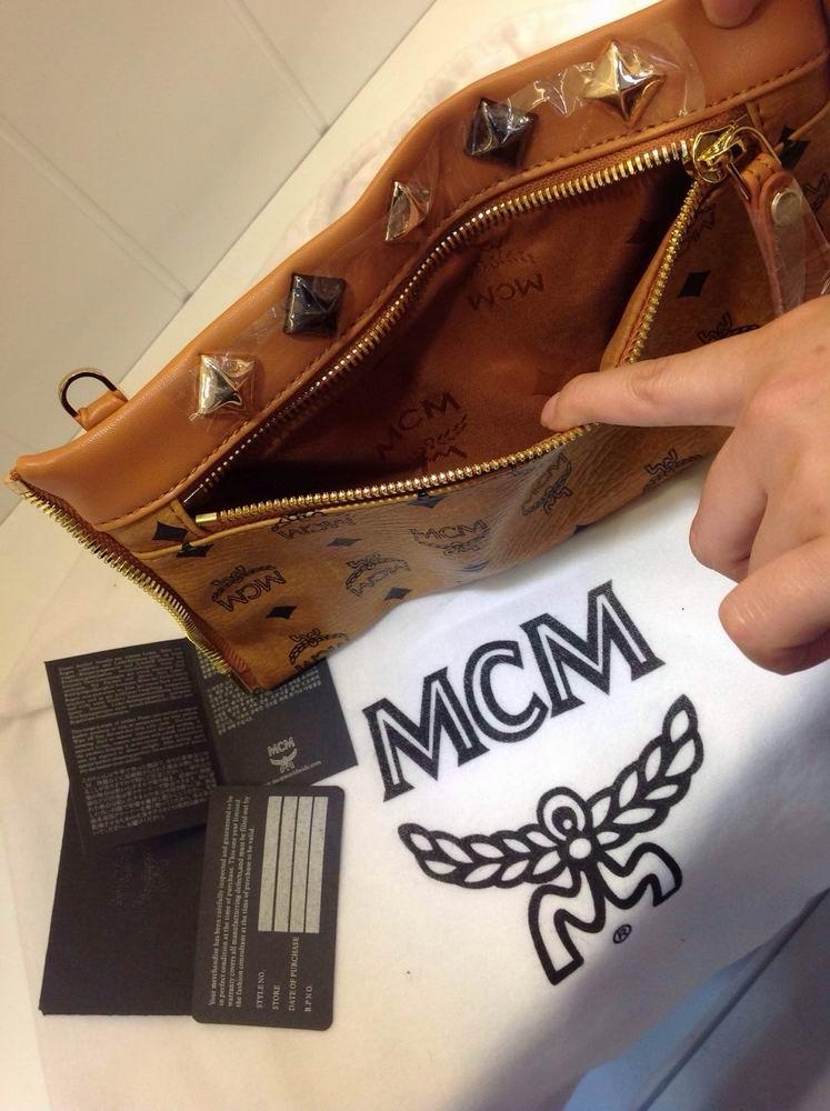 MCM双肩包 第4张